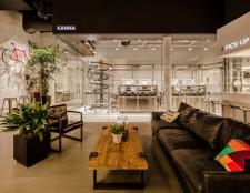 JINS-inside-store